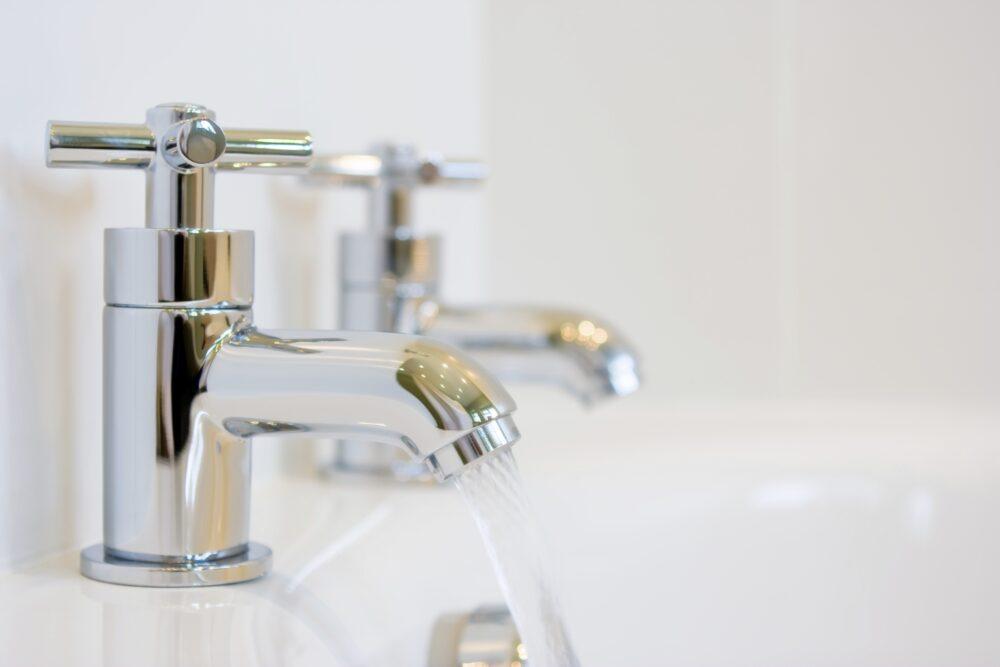 glanzend schoon sanitair