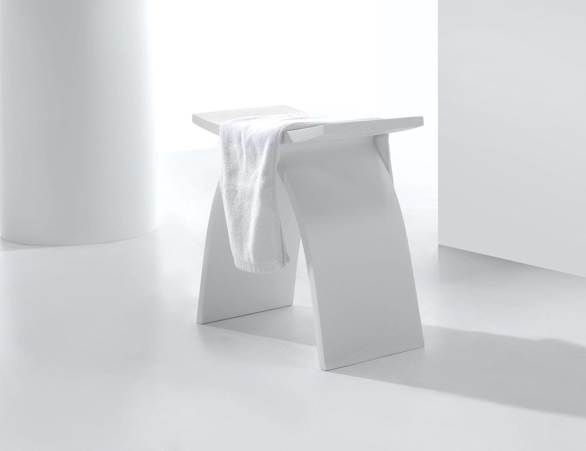 Solid Surface Badkamer : Solid surface hocker design in uw badkamer douchecabine